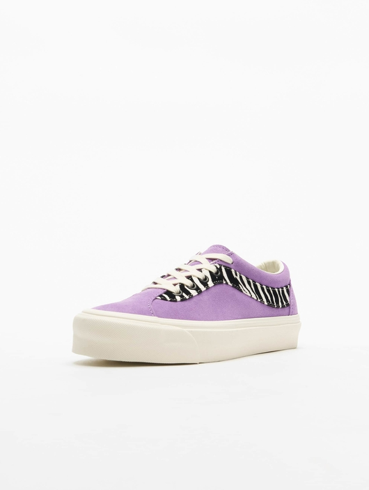Vans UA Bold NI Zebra Sneakers image number 1