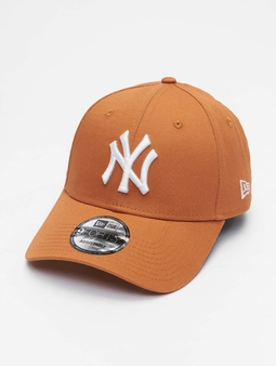 New Era Mlb Properties New York Yankees League Essential 9forty Snapback Cap White