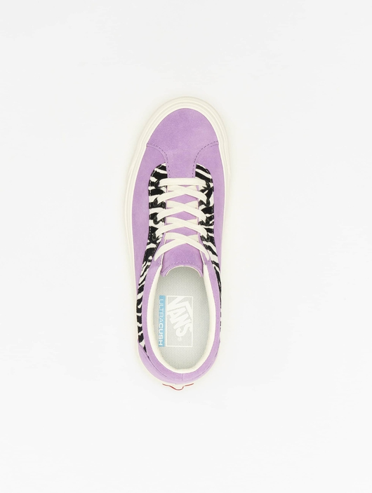 Vans UA Bold NI Zebra Sneakers image number 3