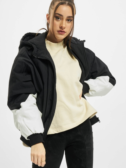 Urban Classics Ladies Padded 2-Tone Batwing  Lightweight Jackets image number 0