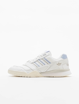 adidas originals A.R. Trainer Sneakers Ftwr White/Periwinkle/Cloud