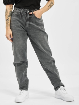 Missguided Petite Riot Highwaisted Mom Jeans