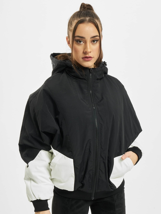 Urban Classics Ladies Padded 2-Tone Batwing  Lightweight Jackets image number 2