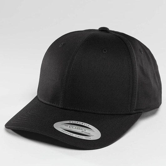Flexfit Curved Classic Snapback Cap Black image number 0
